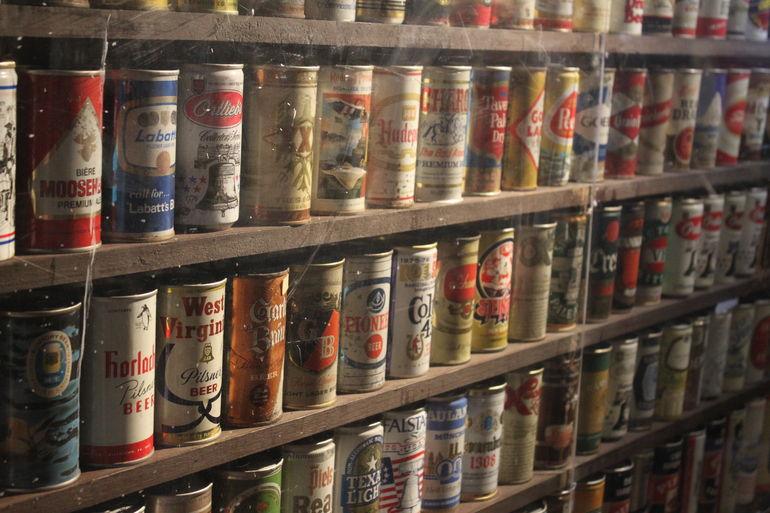 Brickskeller Beer Can Wall, Beer Connoisseur, Bar