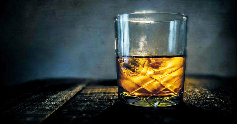 How to Host a Whiskey Tasting Party