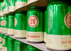 Station 26 Brewing Juicy Banger IPA Cans