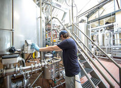 With more than 6,000 breweries in the U.S., production methods vary greatly from brewery to brewery. Grand Rapids exhibits breweries from micro to major.