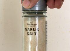 How Is Garlic Salt Different From Garlic Powder?