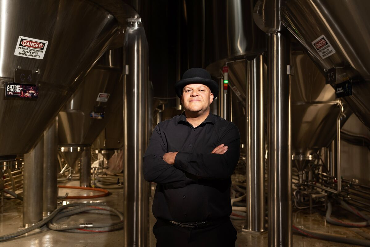 unibroue brewmaster jerry vietz in the brewhouse